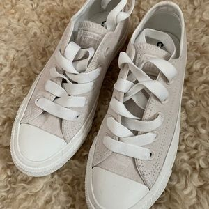 Brand new eggshell color converse low top sneakers